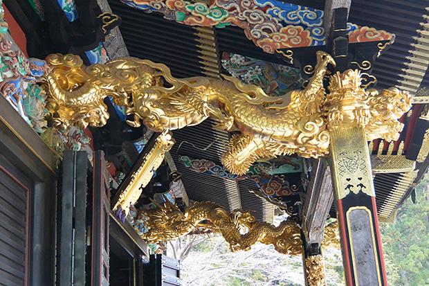 拝殿の昇り竜と下り龍