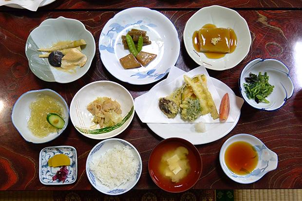 羽黒山・宿坊街の精進料理