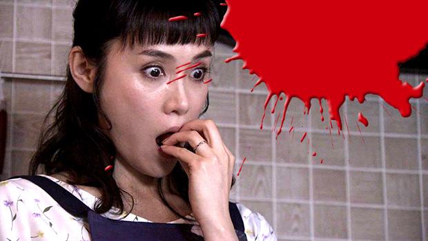 山口紗弥加、ミニトマトを食べる
